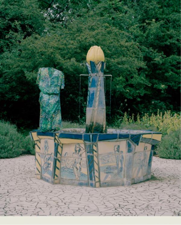 """Käthe Hager von Strobele (2015) Serie """"exterior/interior 1"""", Lambda C-Print, kaschiert hinter Glas im Glaskasten, © Galerie Raum mit Licht"""