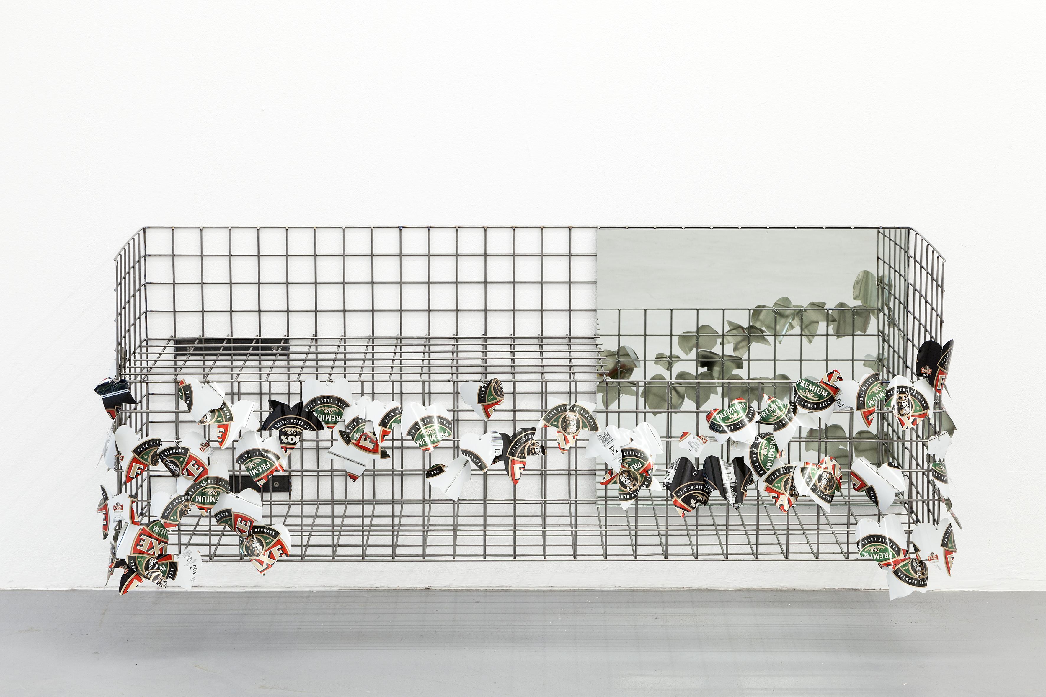 Rouven Schmitt Hersfeld: Sculpture II, 2015, Stahl, Spiegel, Zinkblech, 136 x 50 x 30 cm