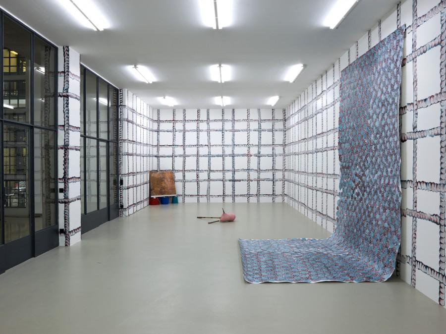 "Installationsansicht ""Nine to Five"", Kunstverein Nürnberg, 2016. Courtesy the artists; Galerie Kamel Mennour, Paris; Rodeo Gallery, London."