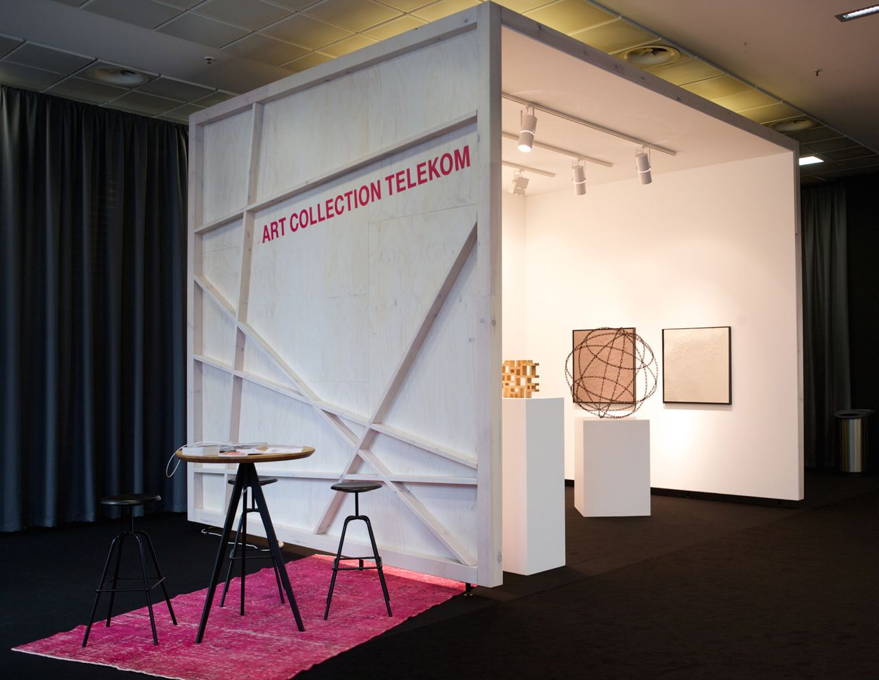 Der Stand der Art Collection Telekom auf der 50. ART COLOGNE 2016. Foto: Deutsche Telekom