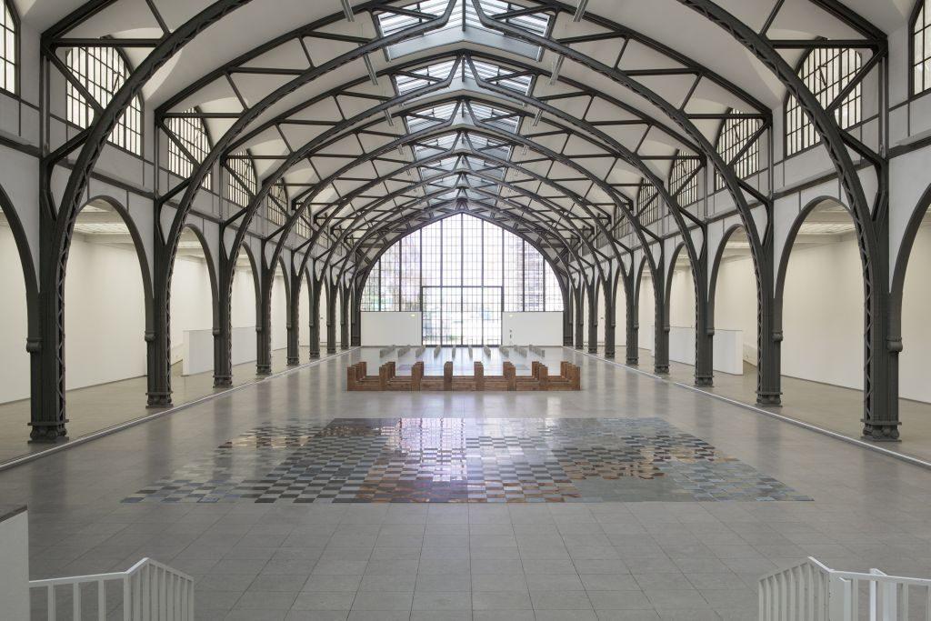 01_Carl_Andre_Installation_im_Hamburger_Bahnhof_Berlin_1