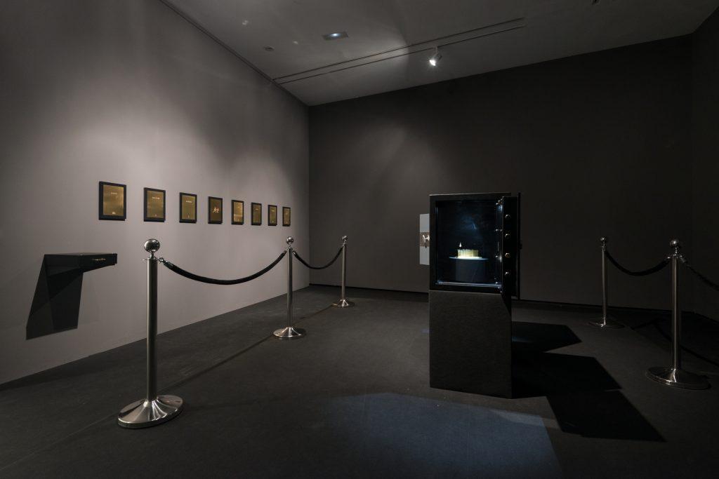 Carlos Garaicoa: Die Kronjuwelen, Installation  © Carlos Garaicoa und Galleria Continua