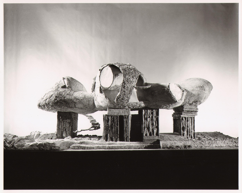 Friedrich Kiesler, Modell für ein Endless House, New York, 1959, © 2016 Österreichische Friedrich und Lillian Kiesler-Privatstiftung, Wien.