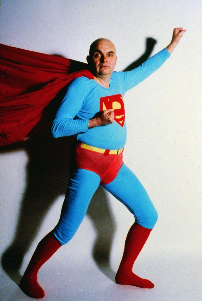 © Tomislav Gotovac, Superman, 1986, Fotografie/ Silbergelatineabzug, Fotograf: Braco Vukelić Cobra