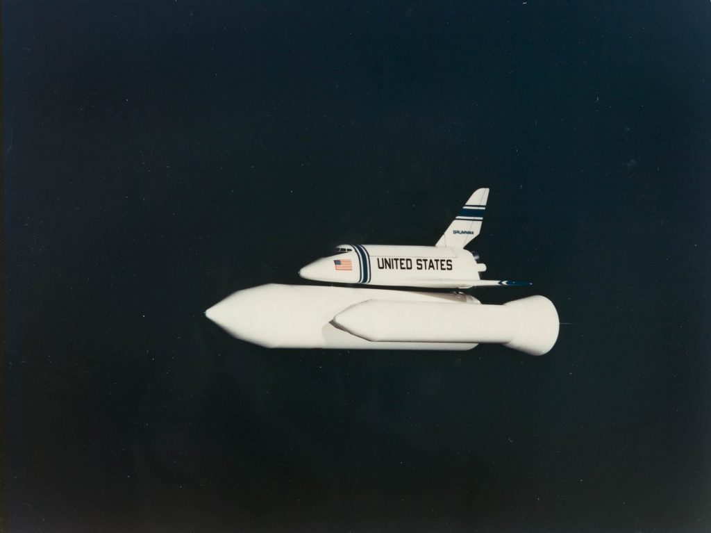 "N.A.S.A. ""Scale model of the Ballistic Recoverable Booster space shuttle"", Schätzpreis: € 400 Auktion 271 Los 1535 © NASA."