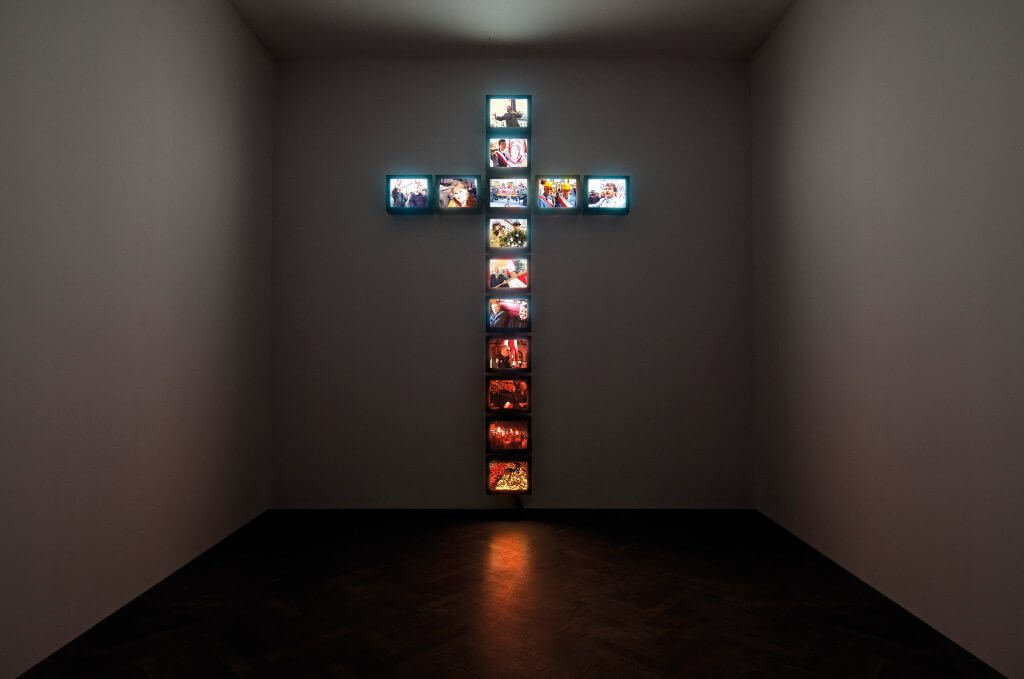 Piotr Wysocki, The Cross, Courtesy of the artist and Arsenał Gallery, Białystok, Copyright Piotr Wysocki.