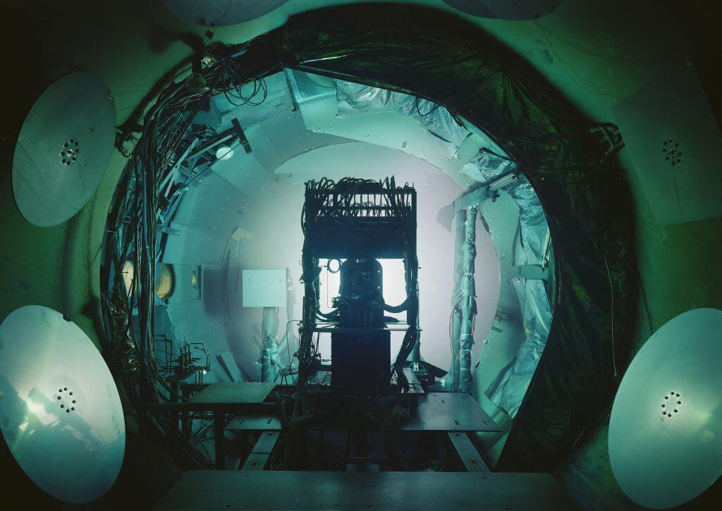 "Thomas Struth: ""Vacuum Chamber, JPL, Passadena"", 2013, Injekt Print, 119,8 x 167,4 cm. © Thomas Struth."