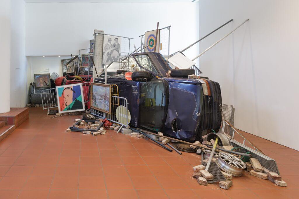 Ahmet Öğüt: Bakunin's Barricade, Foto: Rheinisches Bildarchiv/ Britta Schlier