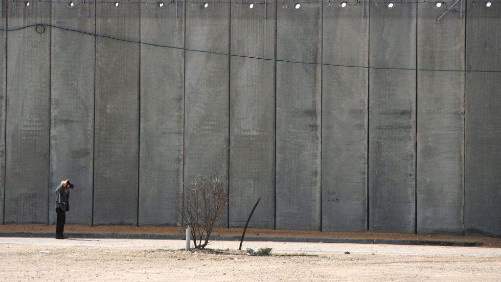 Koudelka Shooting Holy Land © Gilad Baram