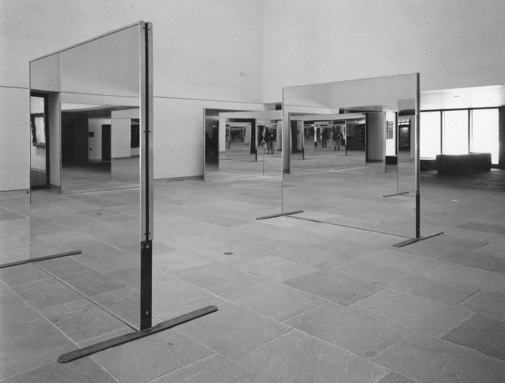 Robert Morris, Untitled (Williams Mirrors), 1976-77, © Robert Morris / ARS, New York 2016, Courtesy of the artist, Sprüth Magers and Castelli Gallery.