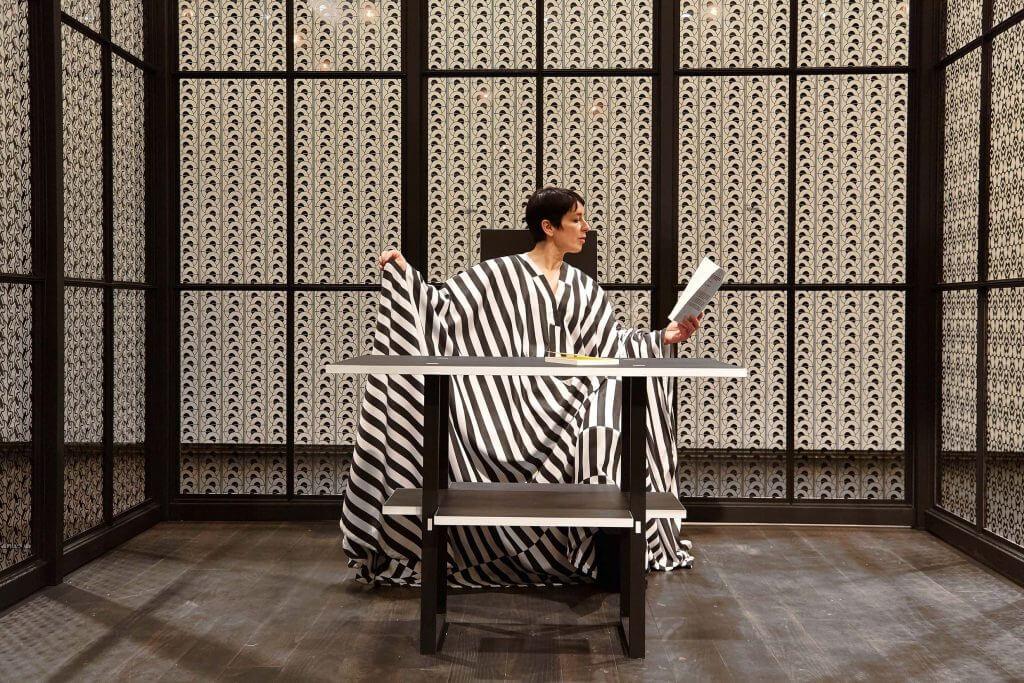 Ausstellungsansicht MAK, The Ornament Museum,Performance mit Susanne Sachsse © Peter Kainz