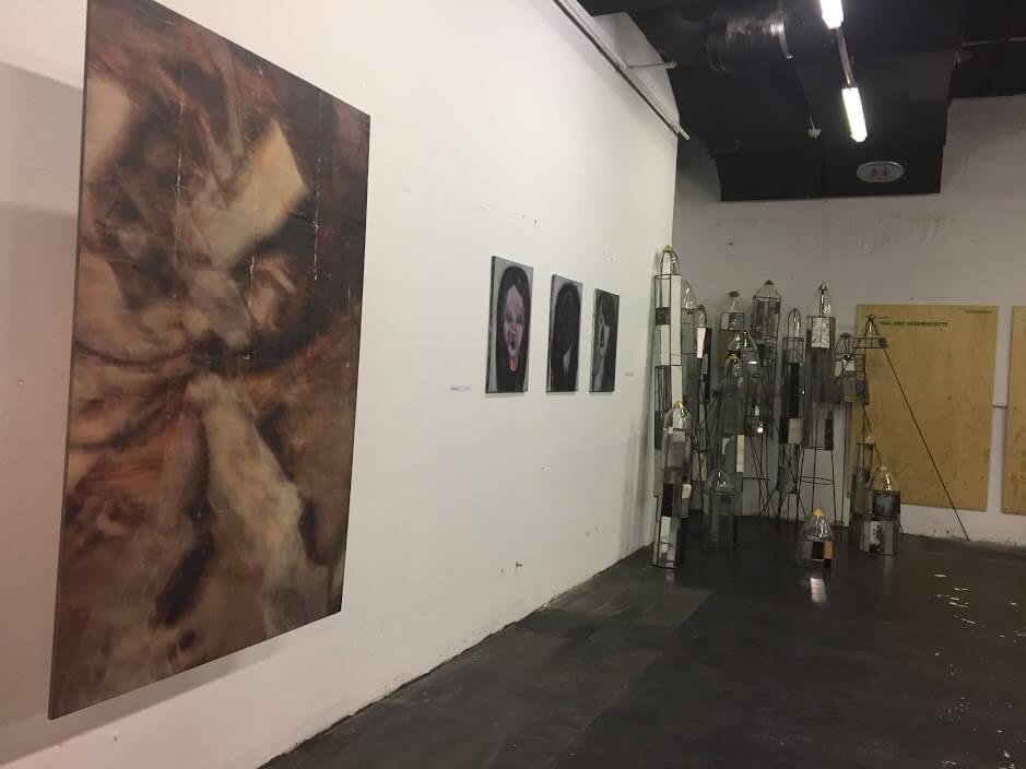 Ausstellungsansicht: Verfall Dekadenz Hybris, Foto: Martina John