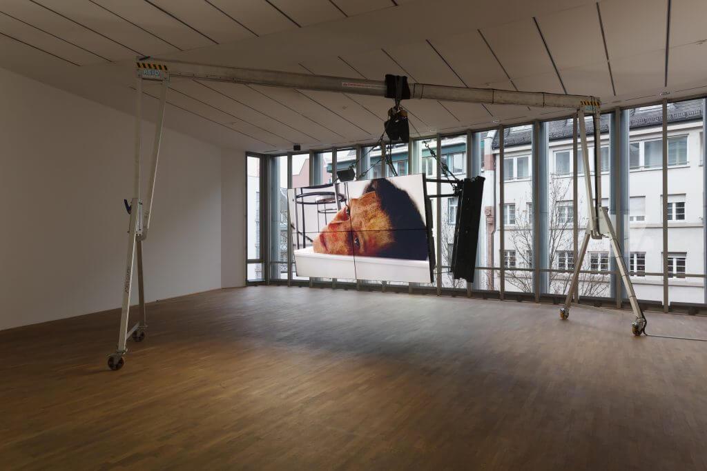 Ausstellungsansicht MMK Museum für Moderne Kunst Frankfurt am Main 2017, Filmstill, Courtesy the artist, Galerie Isabella Bortolozzi, Berlin, Cabinet Gallery, London and Gavin Brown's Enterprise, New York; Foto: Axel Schneider.