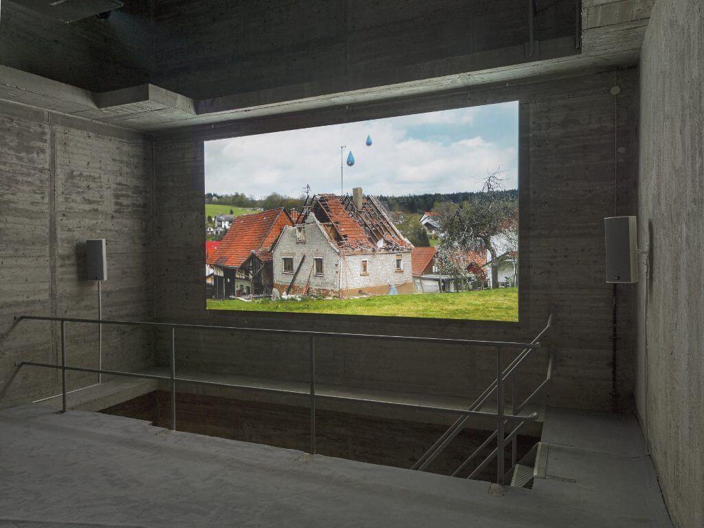 Michael Sailstorfer, Hitzefrei, Ausstellungsansicht, König Galerie, Berlin, 2017 © Michael Sailstorfer und König Galerie, Berlin, Fotos: Roman März.