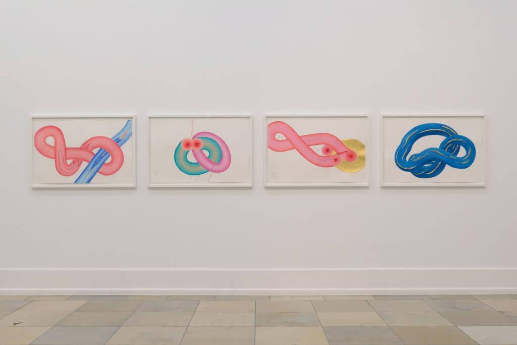 """Jorinde Voigt: """"Lacan-Study 3"""", Courtesy König Galerie; """"Lacan-Studie (6)"""", Privatsammlung; """"Lacan-Studie (8)"""", Courtesy König Galerie; """"Lacan-Studie 10"""", ACT Art Collection, Berlin. Teile der 10-teiligen Serie """"Lacan Study"""", 2016 Tinte, Blattkupfer, Blattgold, Ölkreide, Pastell, Bleistift auf Papier, je 66 x 102 cm, © VG Bild Kunst Bonn, 2017, Foto: Annette Kradisch"""