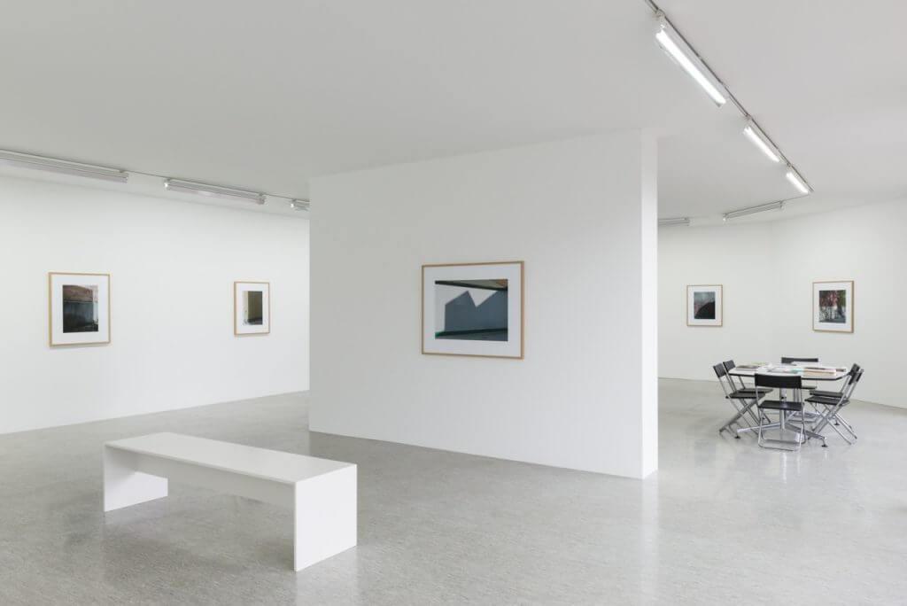 """Ausstellungsansicht: Oliver Boberg """"Letzten Sommer"""", Oechsner Galerie. Foto: Annette Kradisch"""