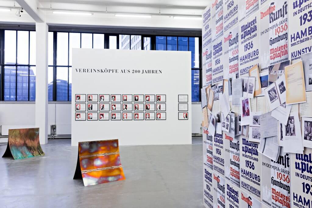 """Ausstellungsansicht: """"The History Show"""" im Kunstverein Hamburg, 2017 © Fred Dott"""