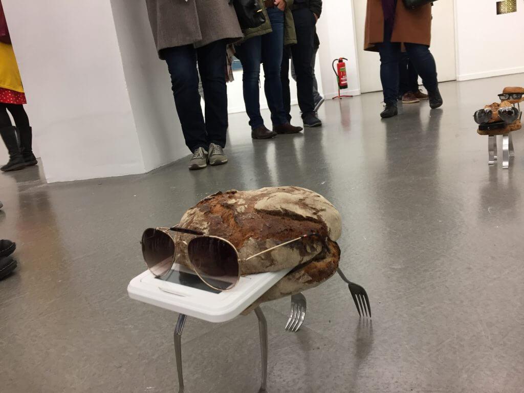 Ausstellungsansicht Kunsthaus Hamburg mit Michael Pröppers: Der Tross, Foto: Martina John
