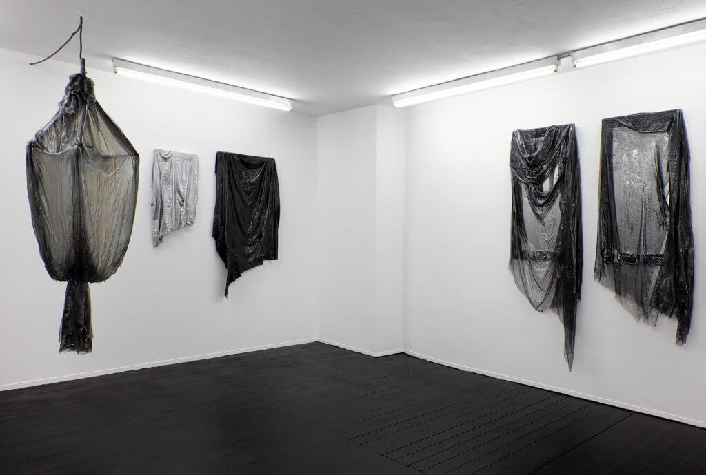 Installationsansicht Phillip Zaiser: Troglinien