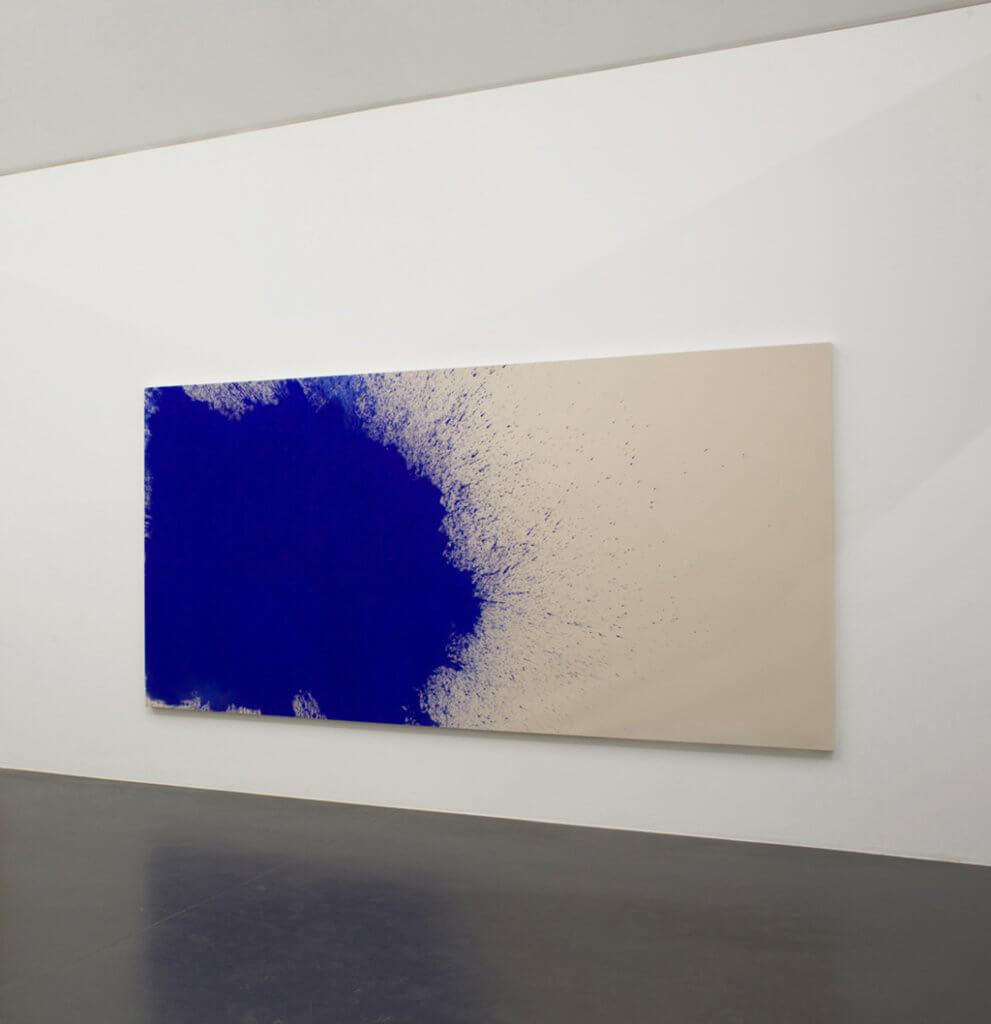 Gerhard Merz: Ohne Titel, 2014, Pigment auf Leinwand, Galerie Walter Storms.