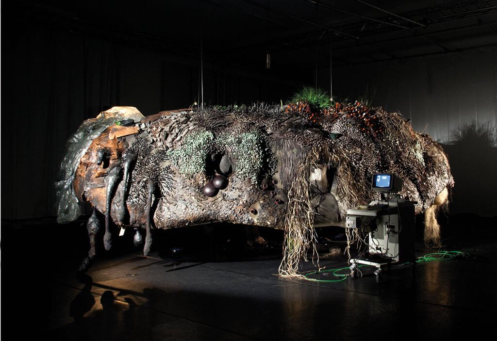 """Judith Egger: """"Hundun"""", Installation anlässlich der Münchner Biennale - Festival für neues Musiktheater, 2016 (Foto: Franz Kimmel)"""