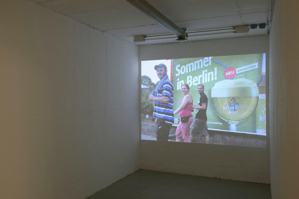 Nina Könnemann: Unrise (10:32 min.), 2002, Installationsansicht, kunstbunker forum für zeigenössische Kunst e. V., Nürnberg, 2017. Foto: Johannes Kersting/Courtesy: kunstbunker forum für zeitgenössische kunst e. V.