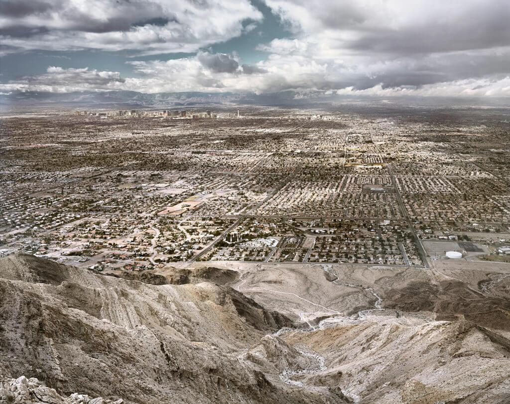 Elmar Haardt: Las Vegas, aus der Serie: Land of Dreams, 2017. C-Print, Diasec, 200x245 cm © the artist