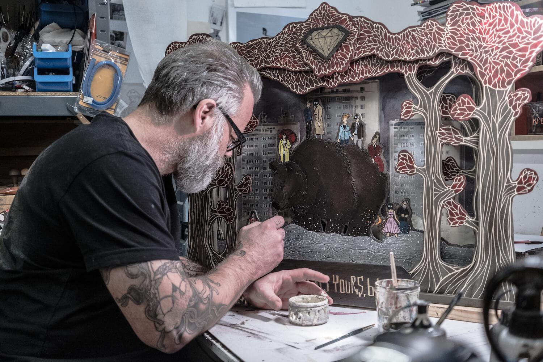 Porträt: Jörg Heikhaus im Atelier