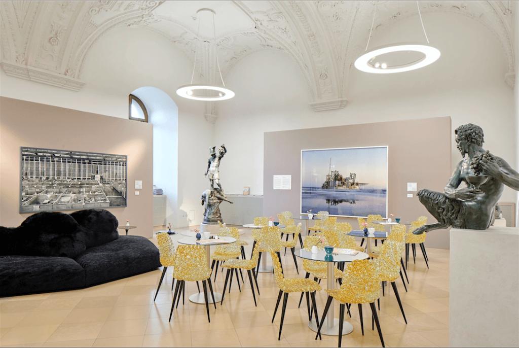 Ausstellungsansicht des Prix Pictet bei der Munich Highlights 2017.