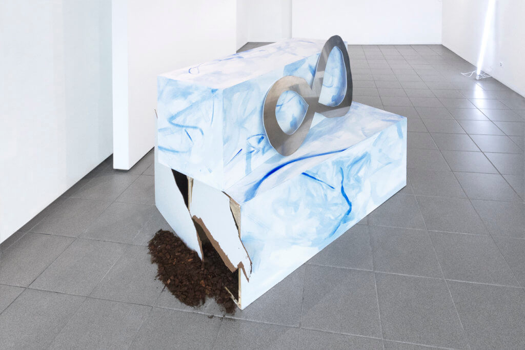 Regine Rode: Source Material No.1, 2018, aluminum, wood, paint, soil
