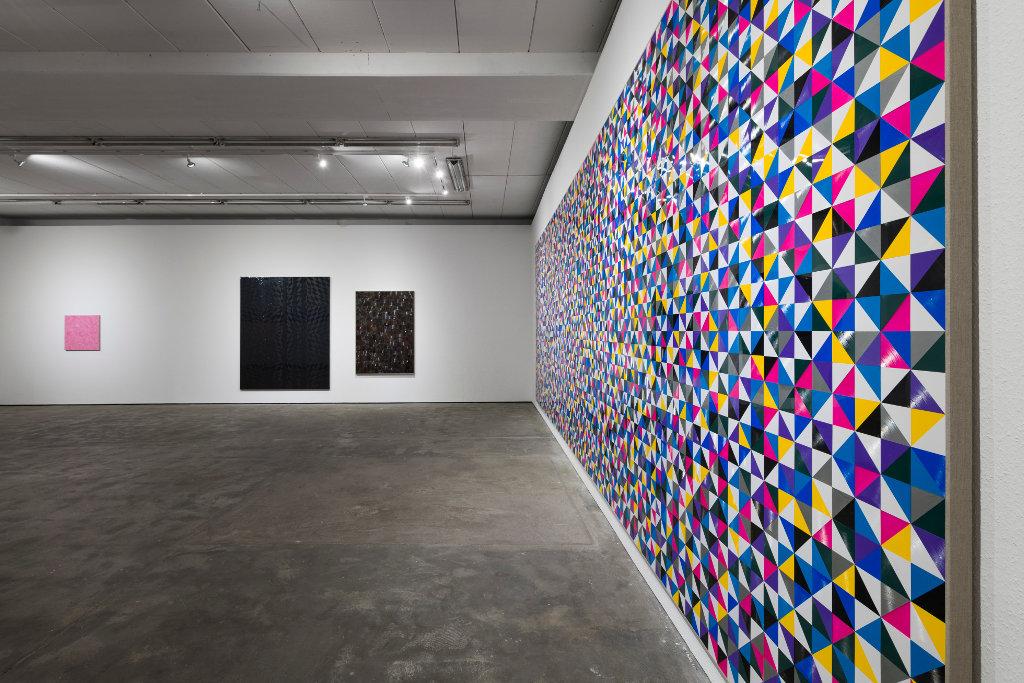 Ausstellung von Gregor Hildebrandt in der Galerie Wentrup