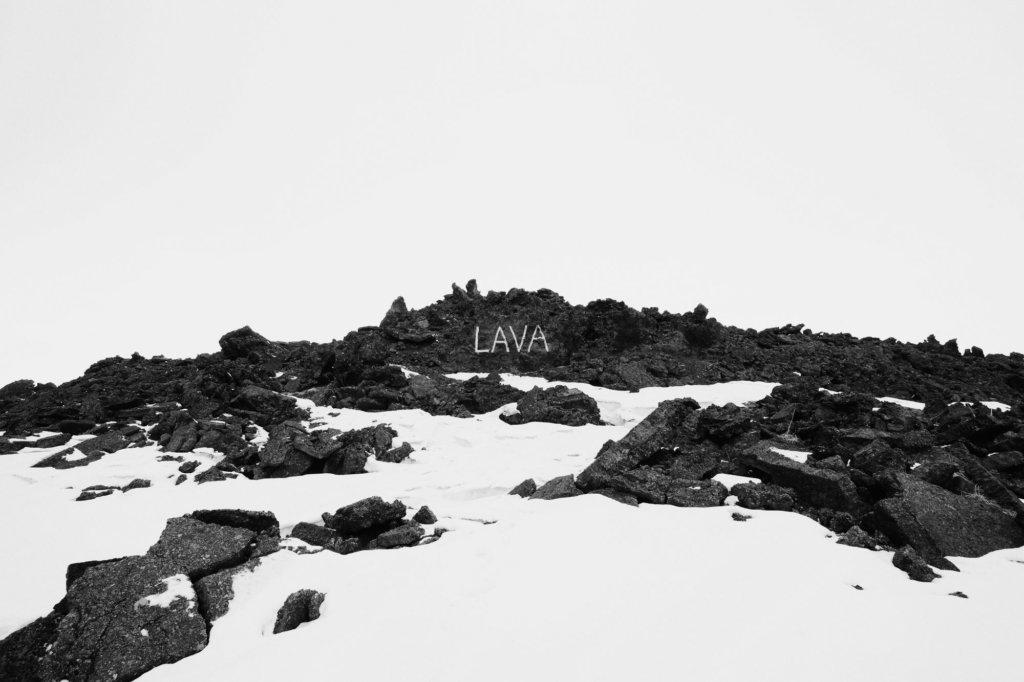 """Julian Charrière und Julius von Bismarck, """"Kunst (Lava)"""", 2013, Inkjet-Druck auf Hahnemühle Photo Rag Barytak, 50 x 75 cm, © VG Bild-Kunst, Bonn 2018, Courtesy Dittrich & Schlechtriem, alexander levy"""