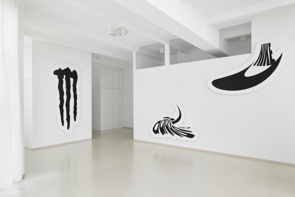 Ausstellungsansicht: Marta Vovk *NASDAQ*, Duve Berlin. Foto: Philipp Bollmann.