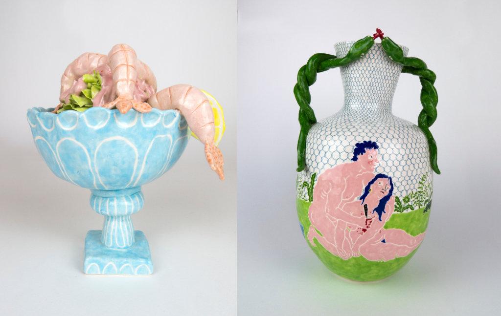 Prawn Cocktail Keramik links und Vase mit Griffen aus grünen Schlangen rechts der Künstlerin Katy Stubbs.