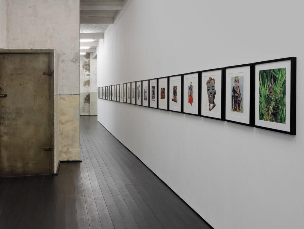 Die Collagen von Michael Sayles hängen in der Berliner Galerie xavierlaboulbenne.