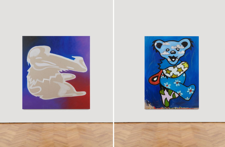 """Zwei Gemälde der """"Grateful Dead"""" Bären in beige und blau gehalten."""
