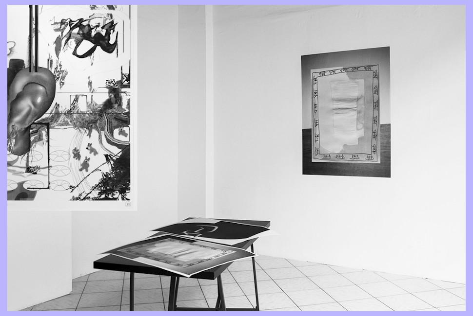 """Ausgabe von """"Exhibitions on Paper"""" und Ausstellungsansicht für """"Exhibitions on Paper"""", alles in Schwarz-Weiß."""