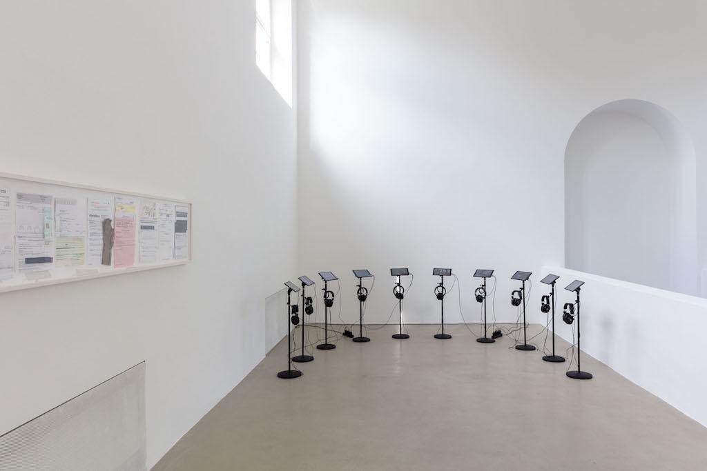 Matt Hilvers zehnteilige Videoskulptur im Kunstverein München