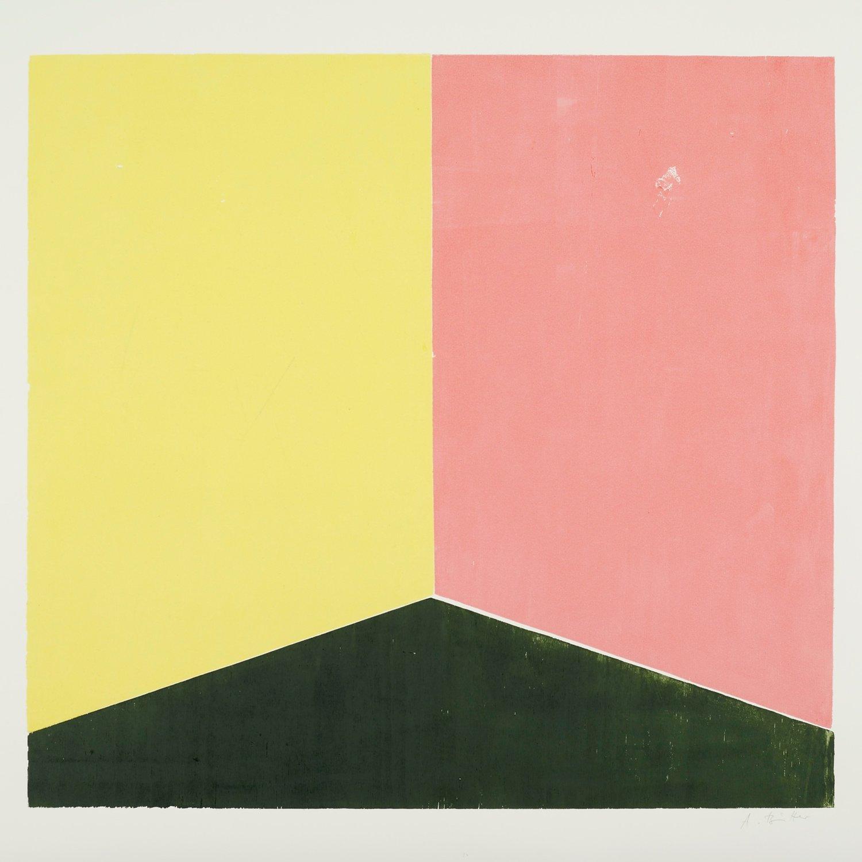 Eine Malerei von Andrea Büttner. Zu sehen sind ein gelbes, ein rosanes und ein dunkelgrünes Farbfeld