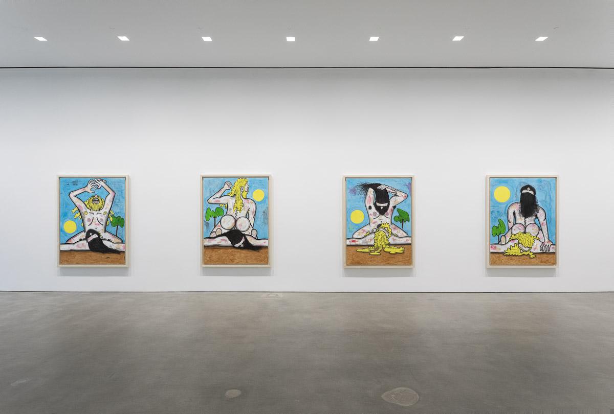 Blick auf vier Gemälde von Carroll Dunham.