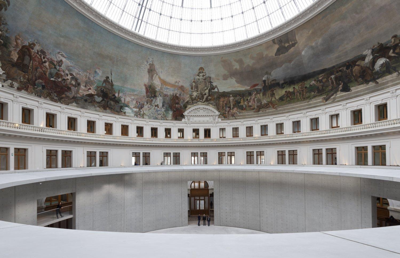 Einblick in die von Tadao Ando umgestaltete Bourse de Commerce, in der sich die Pinault Collection befindet.