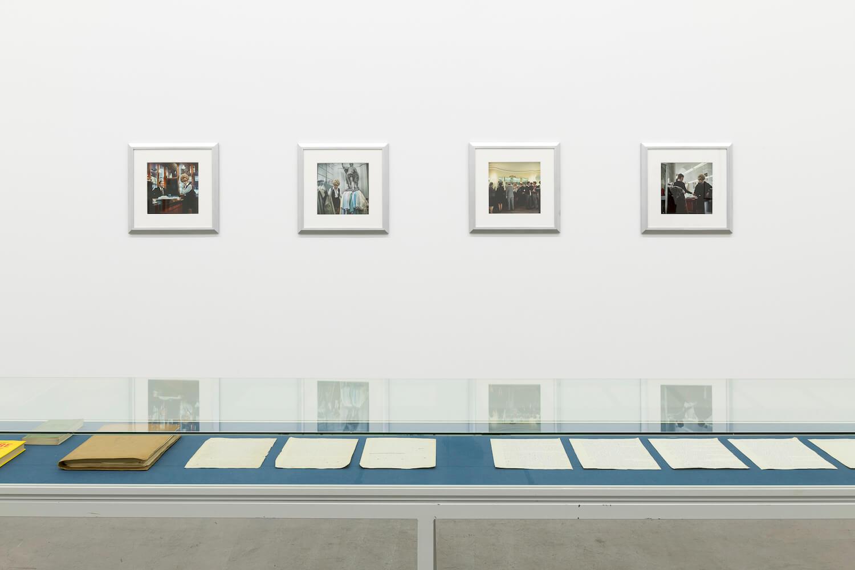 """nstallations-Ansicht """"Divine"""", Galerie Neu."""