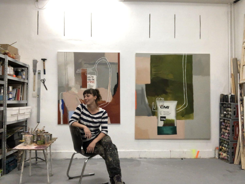 Sophie Ullrich in ihrem Atelier