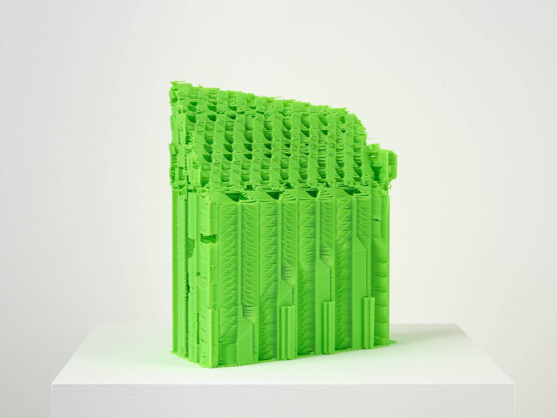 Grüne Skulptur von Samson Young.