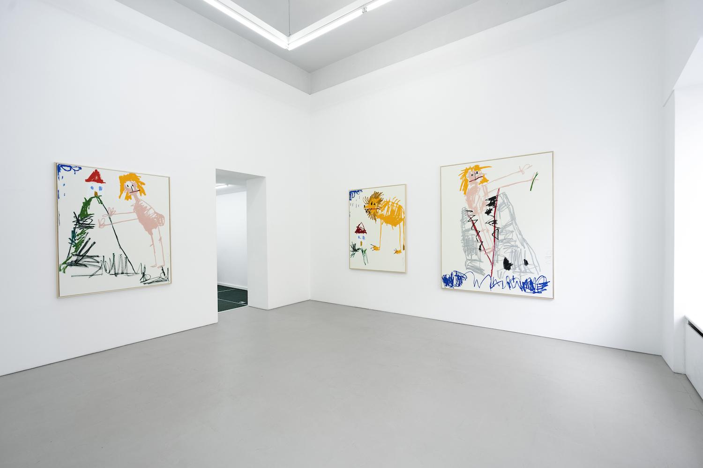 Drei Gemälde von Andi Fischer hängen in der Galerie Åplus.