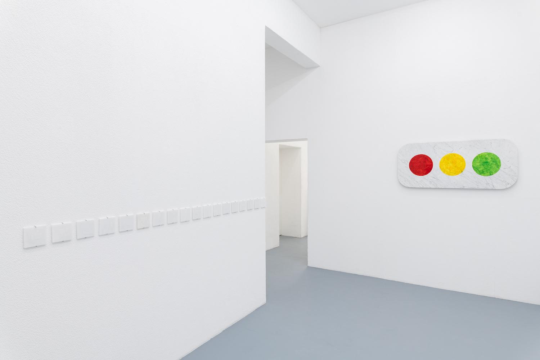 Like-Marmorplatten und Ampel-Marmor von Lukas Liese.