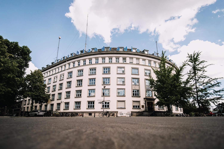 Das Bild zeigt das Funkhaus des Deutschlandradio in Berlin.
