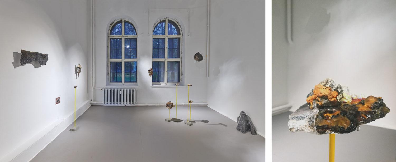 """Das Bild zeigt eine Ausstellungsansicht der Ausstellung """"SIRENE - Goldrausch 2020"""" im Kunstraum Kreuzberg/Bethanien in Berlin."""