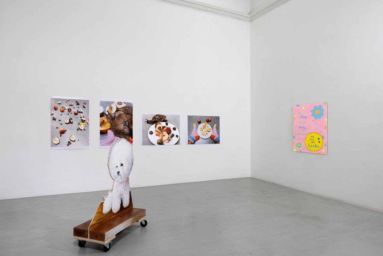 """Ausstellungsansicht der Gruppenausstellung """"La Bohème"""" bei Alfonso Artiaco in Neapel."""