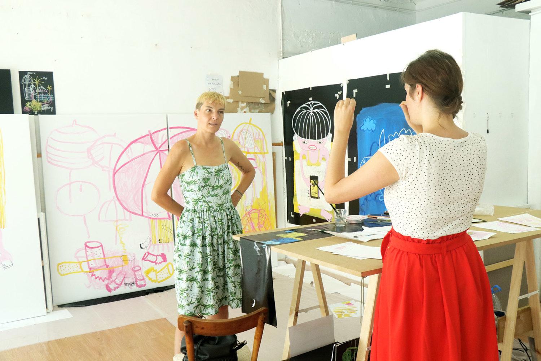 Barbara Green besucht die Künstlerin Katharina Arndt in ihrem Atelier